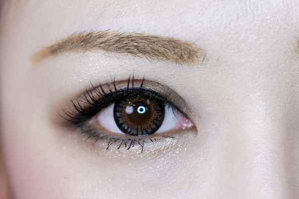 目の錯覚が起こる画像ヘッダー