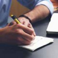 仕事のモチベーションを下げる原因と上げる方法:アイキャッチ
