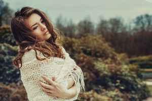 モテる女子の特徴⑥:男性に隙を見せるのが上手い
